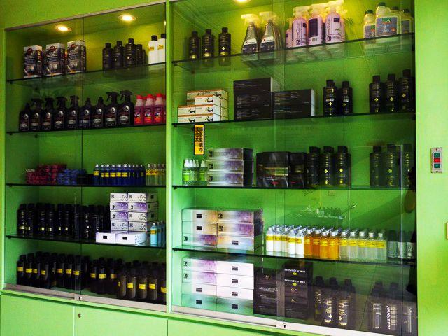 米羅汽車美容用品公司-實體產品展示櫃