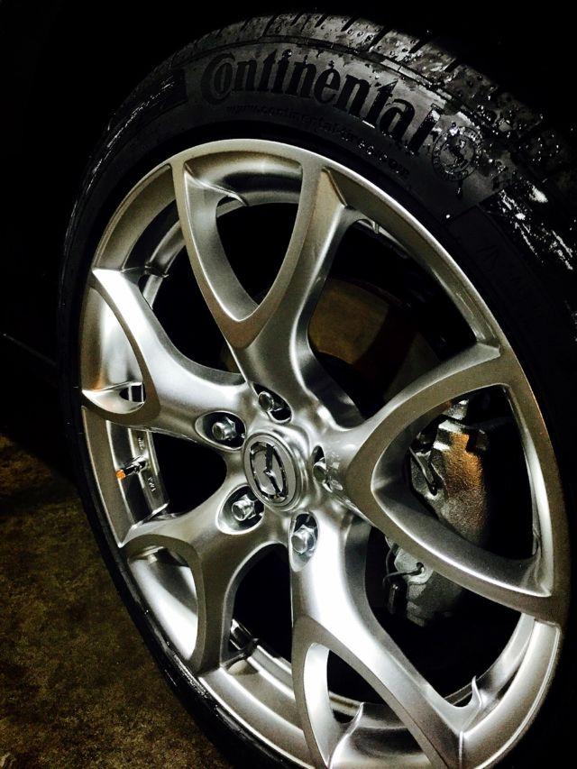 ALL IN ONE結晶鍍膜的洗車照-漂亮的鋼圈與輪胎