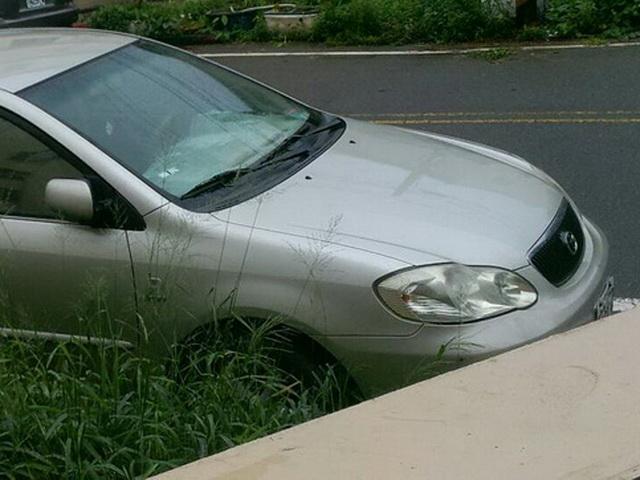 車輛從未打蠟雨天的水珠呈現