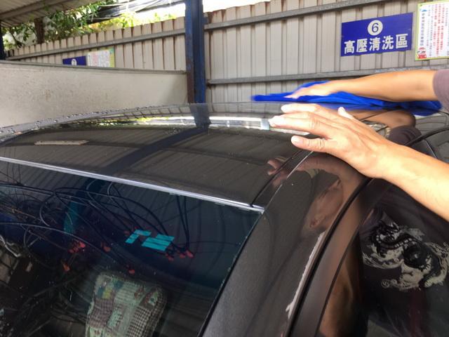 新SHAMPER天然中性洗車精-擦乾車身